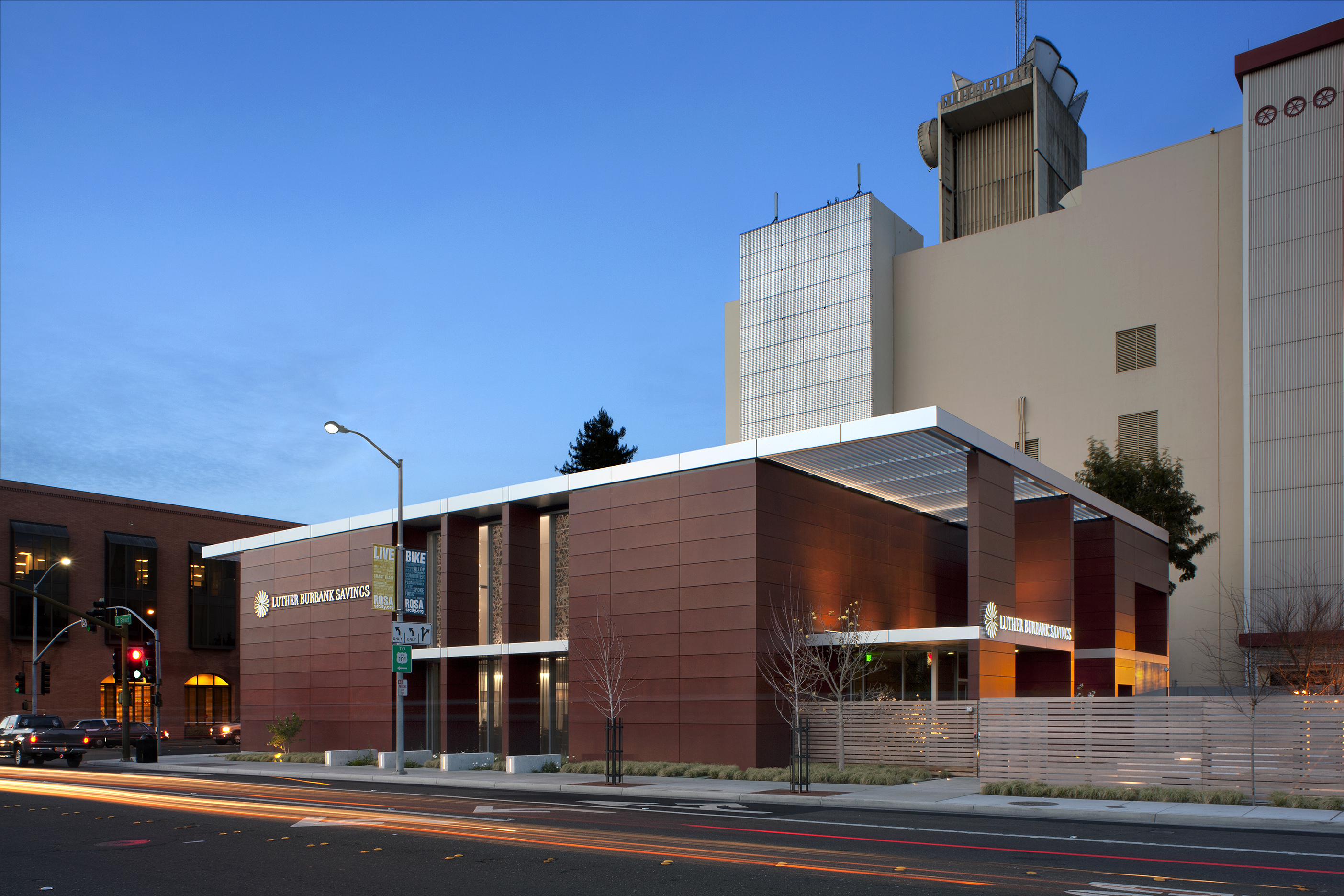Tlcd Architecture, AIA Redwood Empire Design Awards, Merit Award, Luther  Burbank Savings Branch Photo